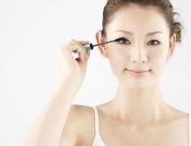 如何化妝讓眼睛更加閃亮